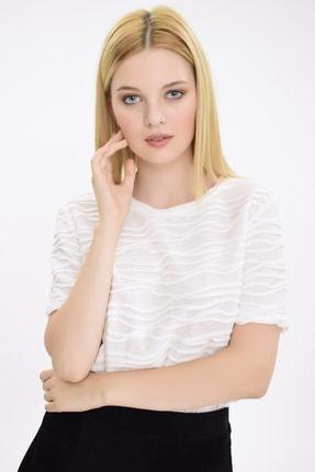 Hanna's Kadın Beyaz Kumaş Detaylı Kısa Kollu Tshirt HN1898