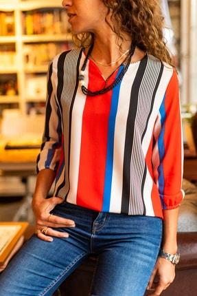 Güneşkızı Kadın Kırmızı Yakası Yırtmaçlı Çizgili Krep Bluz GK-BST2752