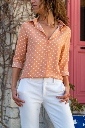 Güneşkızı Kadın Somon Puantiyeli Krep Gömlek GK-BST2711