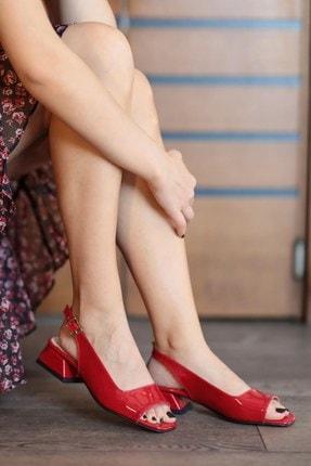 Mio Gusto Suzanne Kırmızı Rugan Kısa Topuklu Sandalet