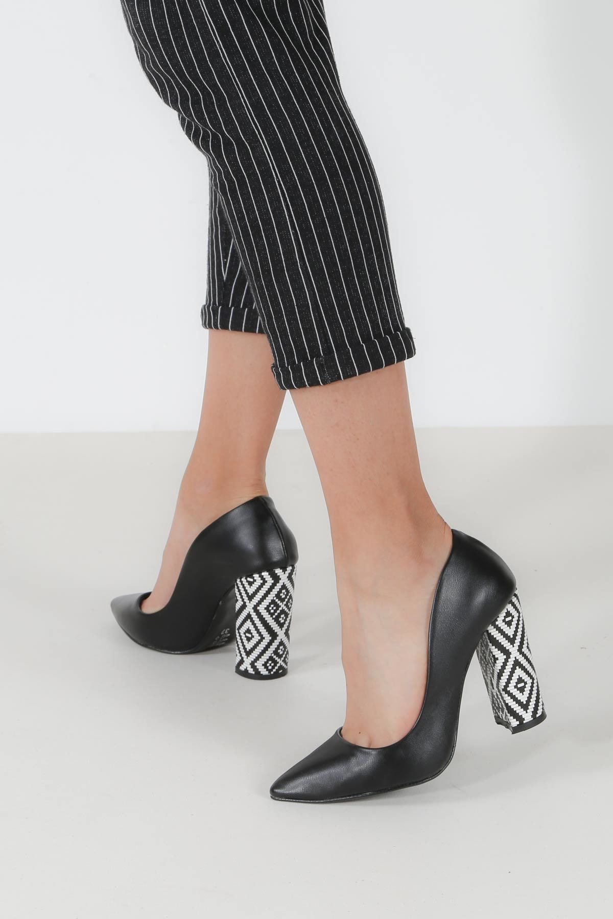 Fast Step Siyah Kadın Topuklu Ayakkabı