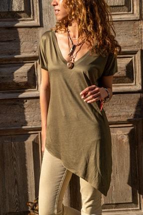 Güneşkızı Kadın Haki Asimetrik Kesim V Yaka T-Shirt GK-JR216
